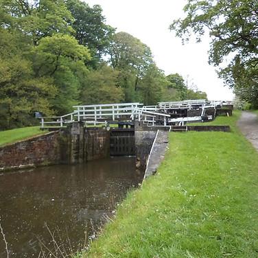 Field Locks Leeds Liverpool canal