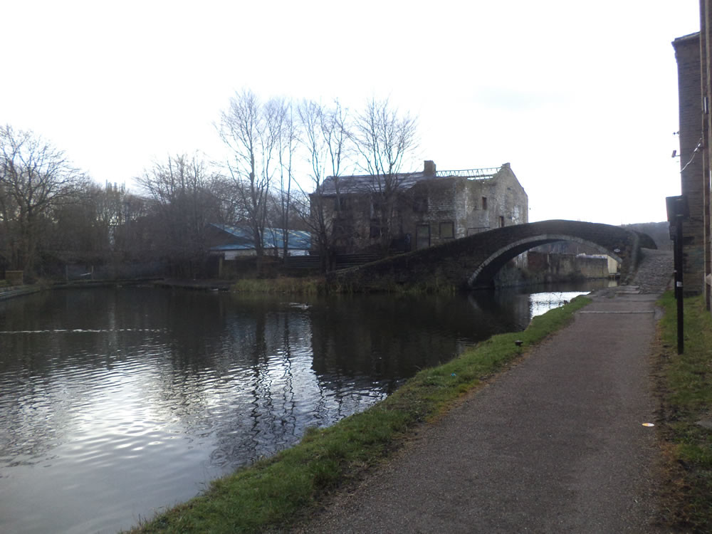 Shipley junction canal basin