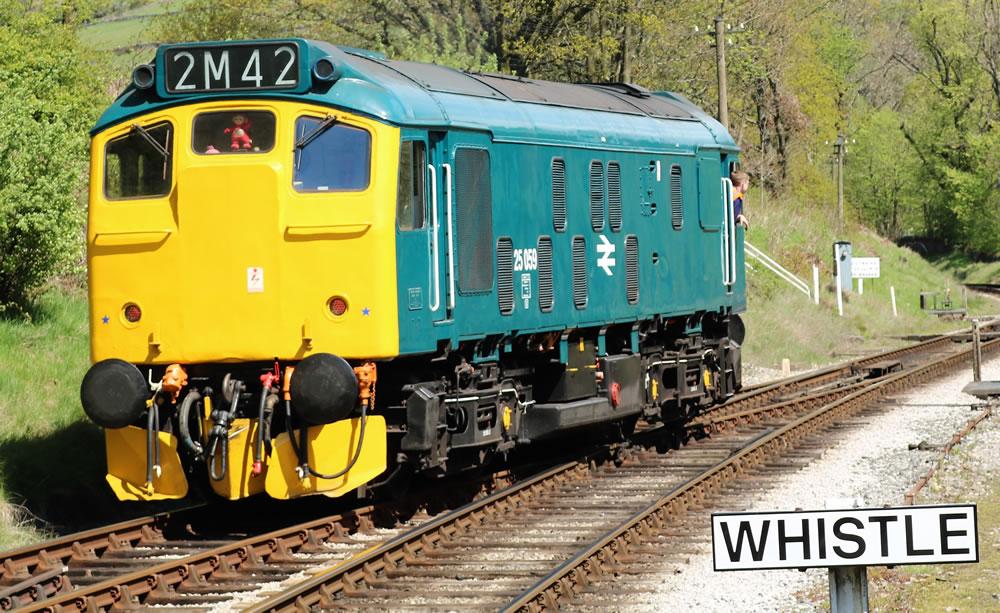 Class 25 Sulzer diesel loco No 25059