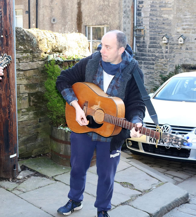 Buskers Haworth mainstreet