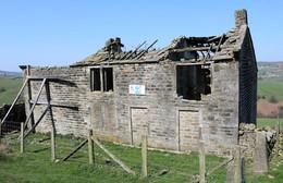 Abandoned farmhouse Penistone hill