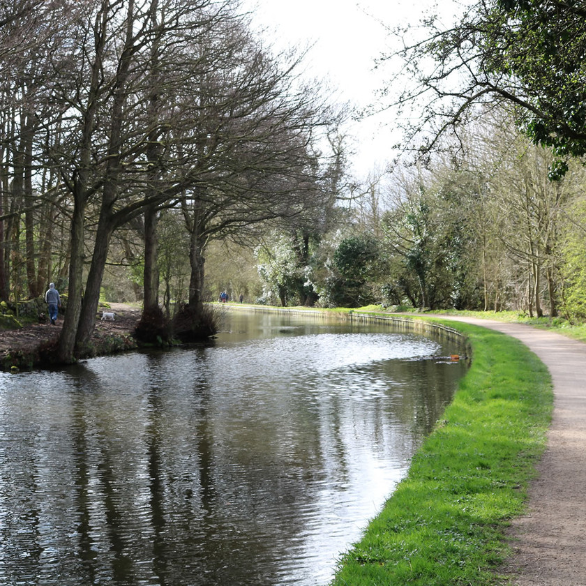 Canal towpath Esholt to Buck Hill Bradford