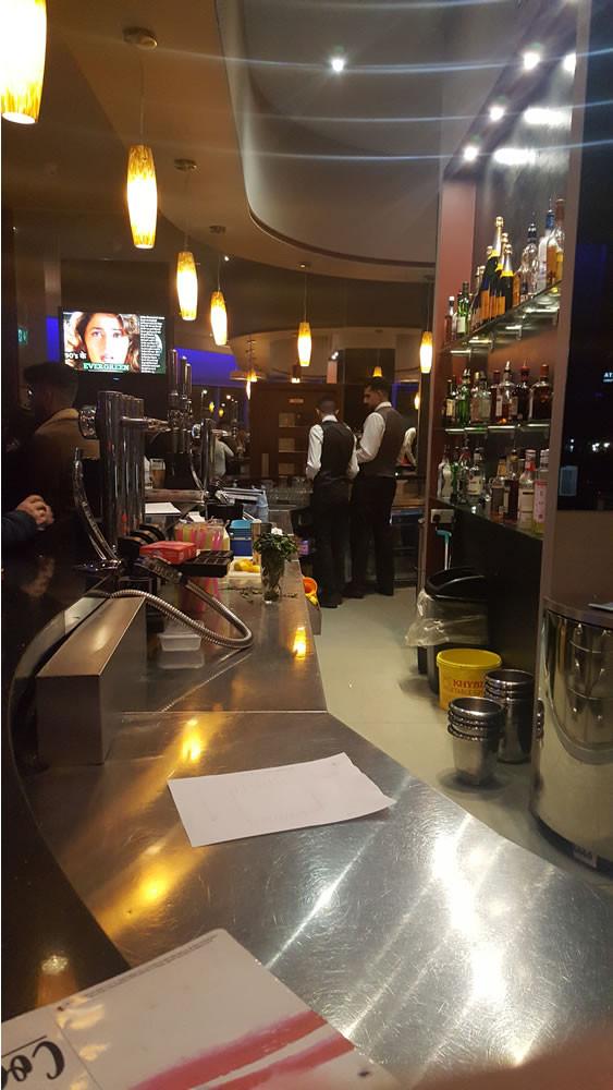 Aagrah restaurant Midpoint Bar area