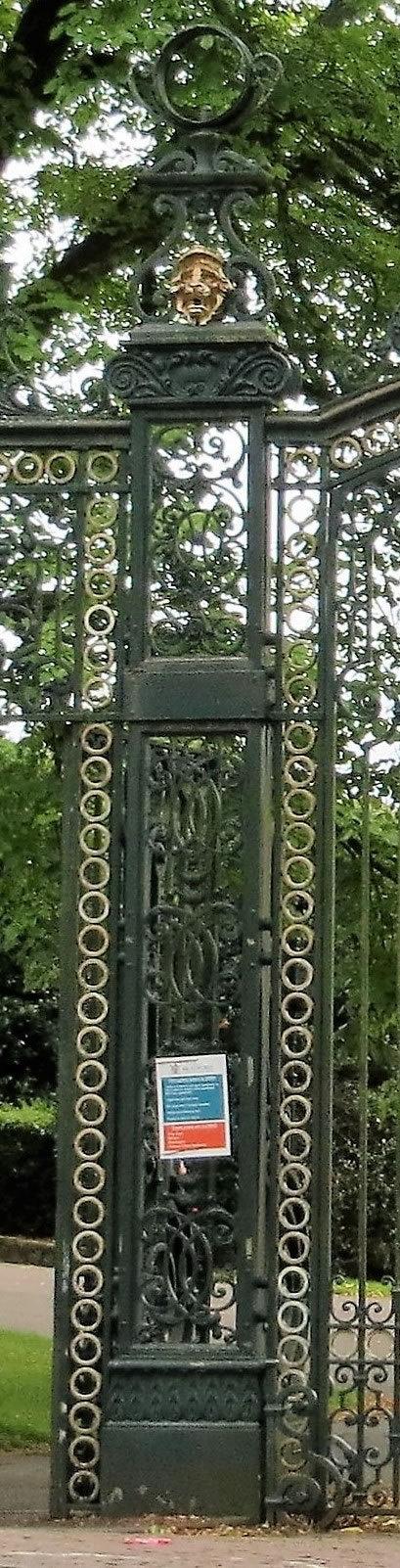 Victorian gates iron pillar