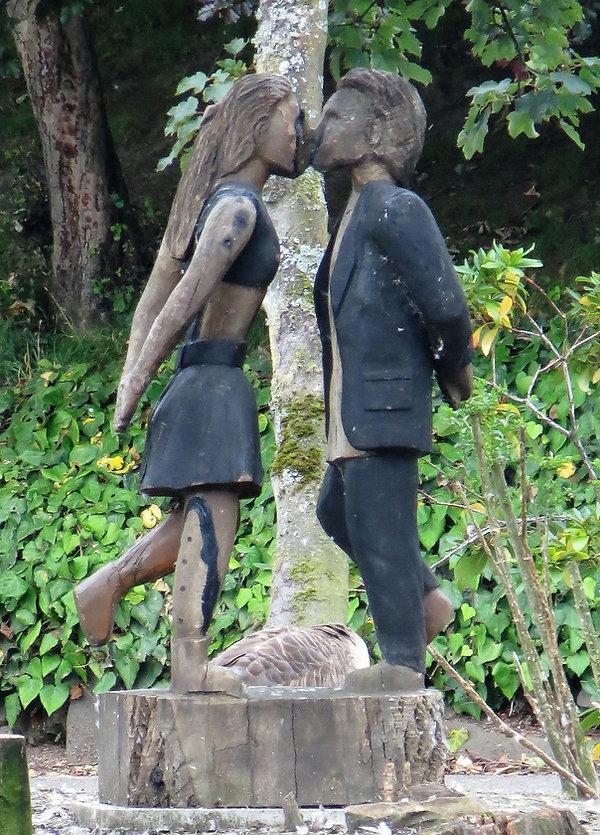 kissing couple lister park Bradford UK
