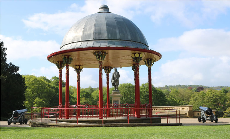 Bandstand in Roberts park