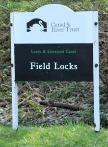 Field Locks Bradford Leeds Liverpool canal
