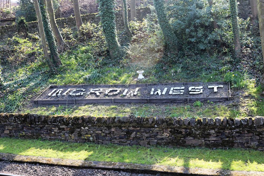 Ingrow west stiation west sign