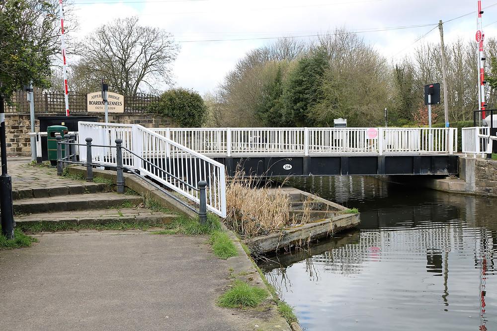 Milman Swing Bridge No 214 Leeds Liverpool canal