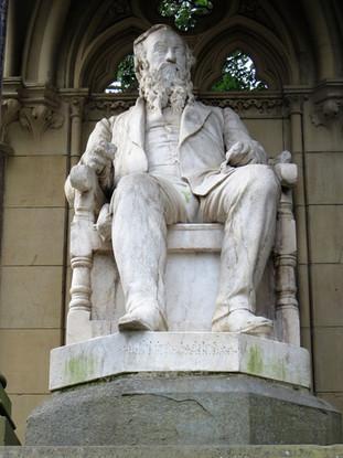 Titus Salt statue