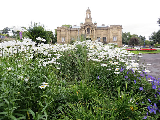 Cartwright hall in Lister park