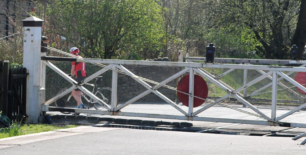 Oakworth station level crossing