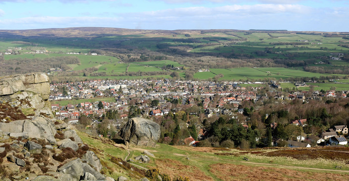 View of Ilkley from cow and calf rocks.j
