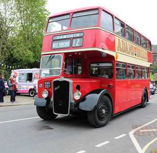 KNV 337 is a Bristol KSW6B new to United Counties in 1954 but now in West Yorkshire colours