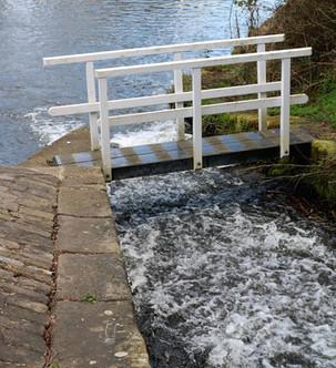Canal overflow Sluice Bridge