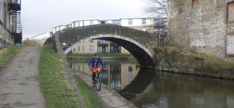 Junction Bridge 208, Leeds-Livepool Canal