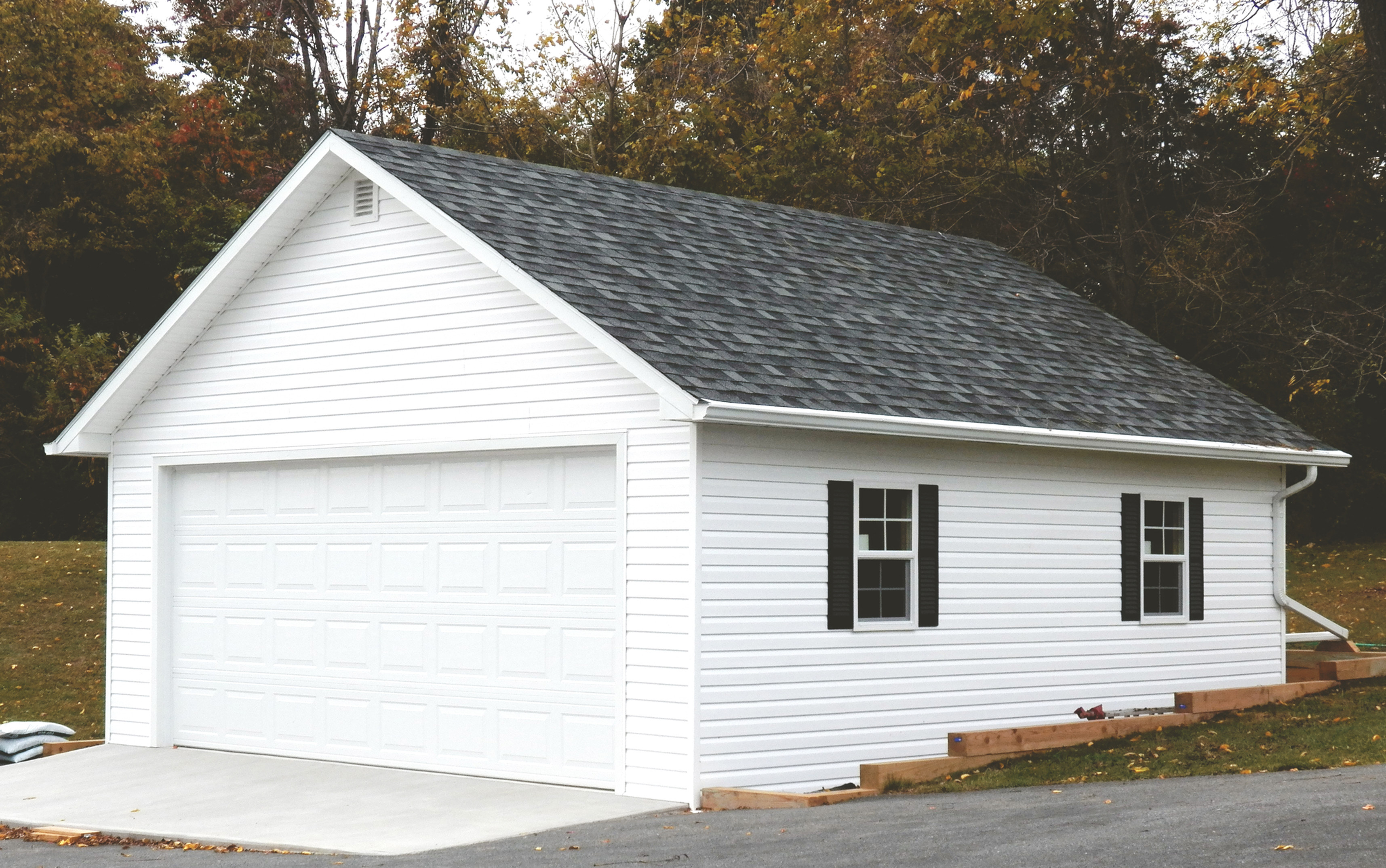 (+)Detached Garage/Outbuilding 1-2 Stall