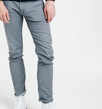 Man%20in%20Jeans_edited.jpg
