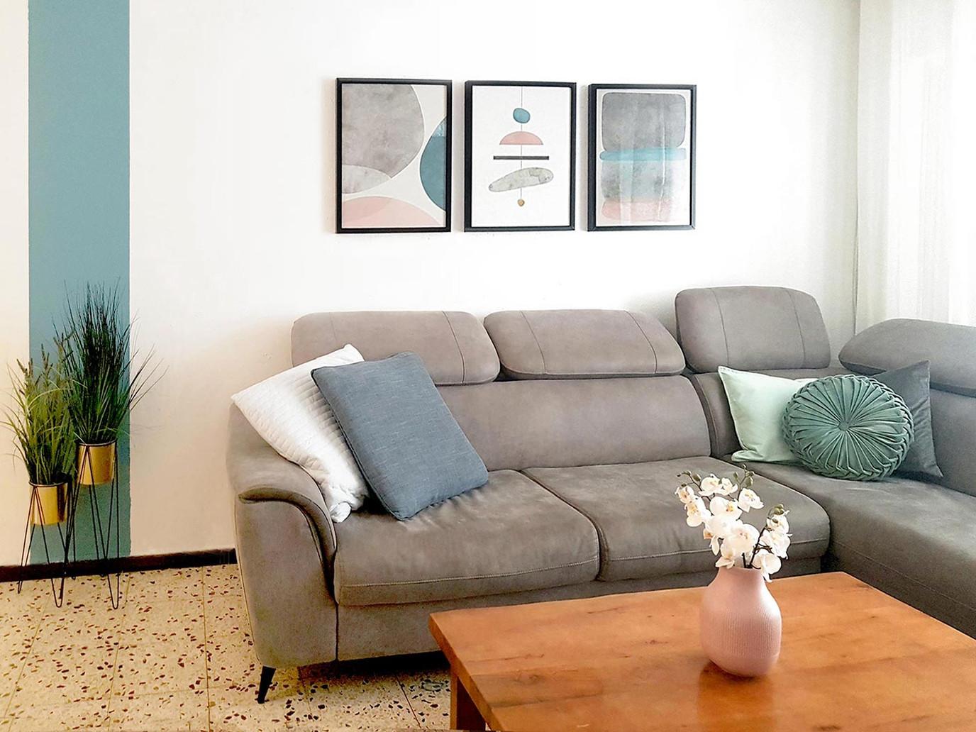 Ilanit-Hanuka-shandelier-set-0f-3-living
