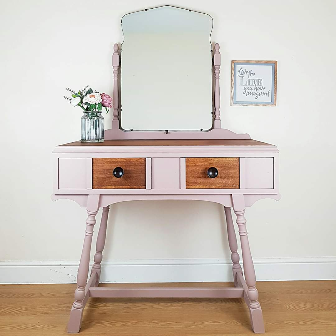Feminine Damask Pink Dressing Table