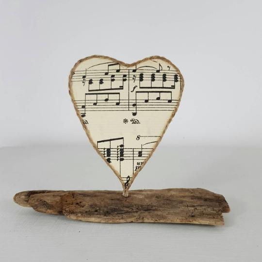 Sheet Music Heart Sculpture Set in Driftwood