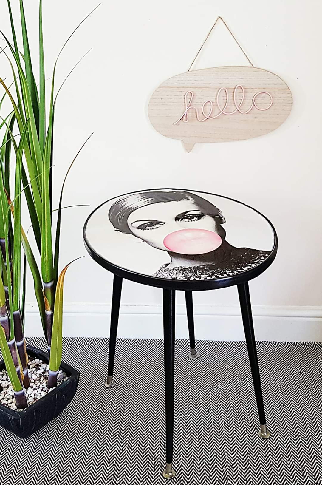 Statement Retro Twiggy Table