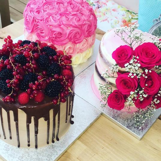 Rose cake, flower cake et layer cake aux fruits