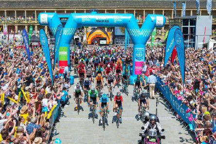 The Piece Hall Tour de Yorkshire.jpg