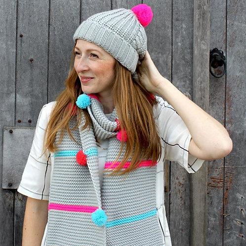 Loop grey pom pom hat