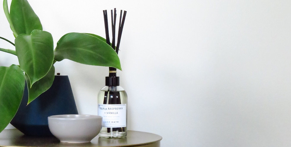 JAPANESE HONEYSUCKLE LUXURY REED DIFFUSER