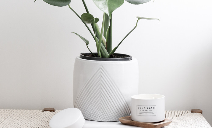 CERAMIC LOVE CANDLE by Luxe Bath And Beauty