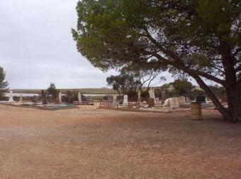 lochiel cemetery1.jpg