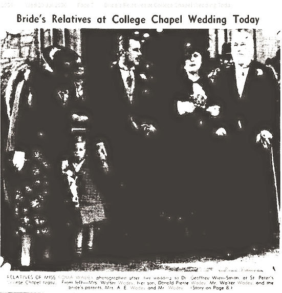 Bride's%20Relatives%20Photo%20at%20Weddi