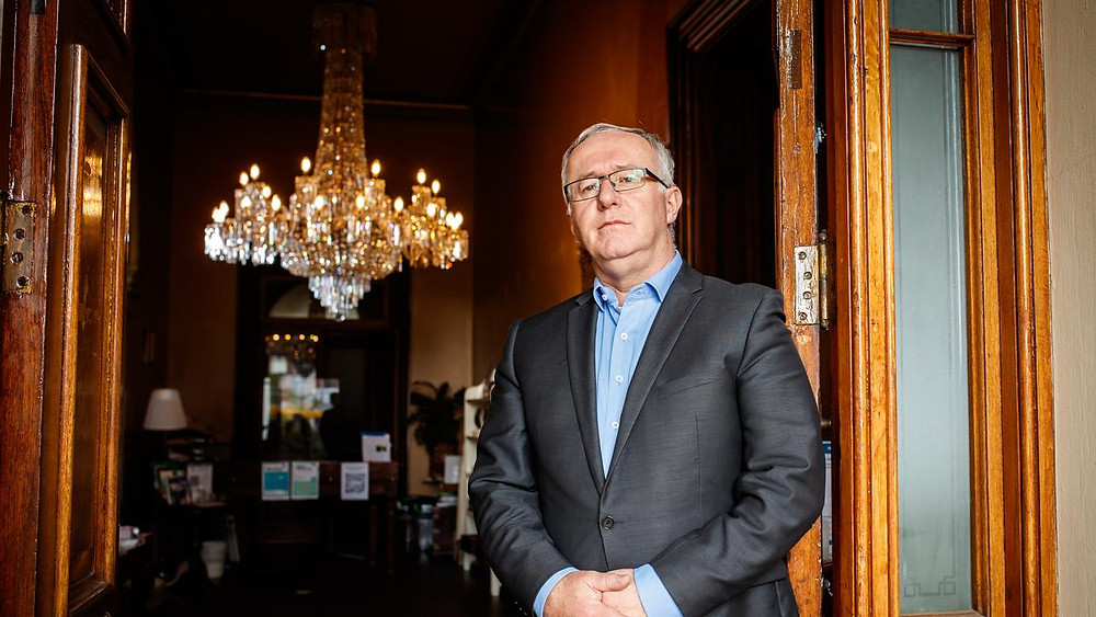Ayers House Chandelier and Dr Darren Peackock