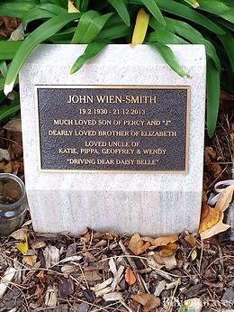 Gravestone John Wien-Smith 1930-2013.jpg