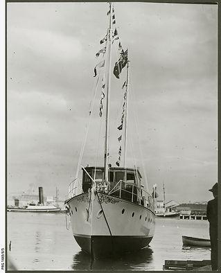 MY 'Martindale' at Port Adelaide PRG-1445-8-5.jpeg
