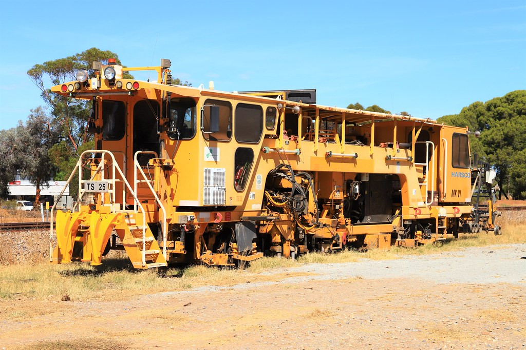 TS25 Snowtown - some sort of Track Machine