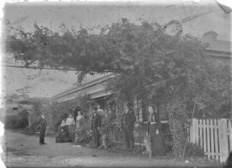 Hill family & others at Inchiquin.jpg