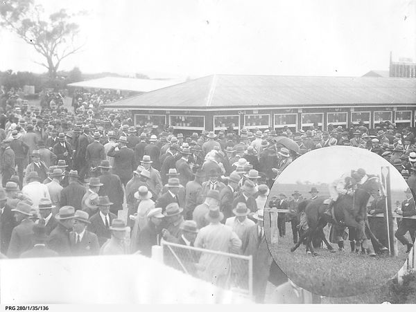 Racegoers placing bets at the races in South Australia PRG-280-1-35-136.jpeg