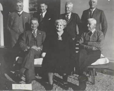 1940 Victorsen Family Portrait.jpg