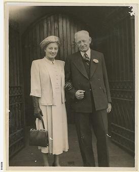 Dorothy Elizabeth Mortlock (nee Beech) and John Andrew Tennant Mortlock standing outside S