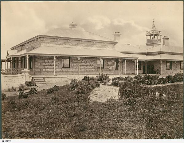 Campbell House, Campbell Pk B-10772.jpeg