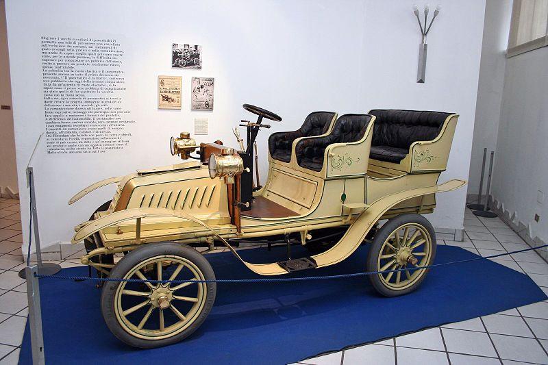 1903 Model De Dion motor car