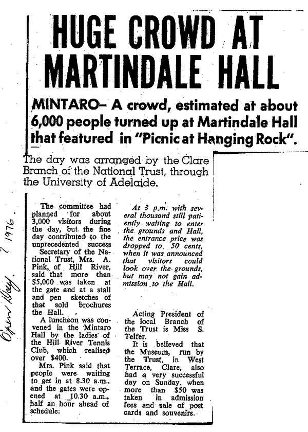 1976 Huge Crowd at Martindale Hall.png