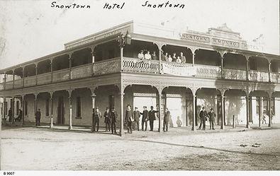 Snowtown Hotel, Snowtown 1917 B-9007.jpe