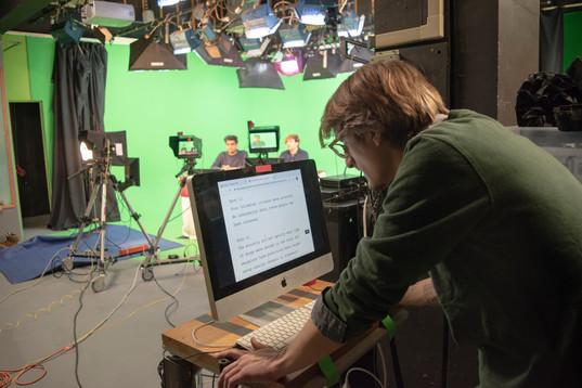 10. Luke looking at the telepromt.jpg