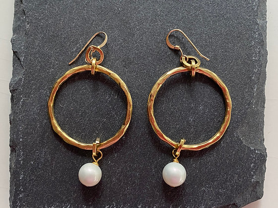 Gold Circle Earrings with Freshwater Pearl Drop