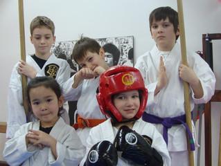 Camp d'été d'arts martiaux pour jeunes