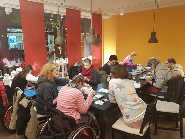Aktion vor Weihnachten: Keramik selber gestalten in Göttingen