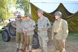0004 GI'S 1944 79TH MEMORY GROUP
